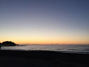 いい波に乗るために~朝一の波をねらう
