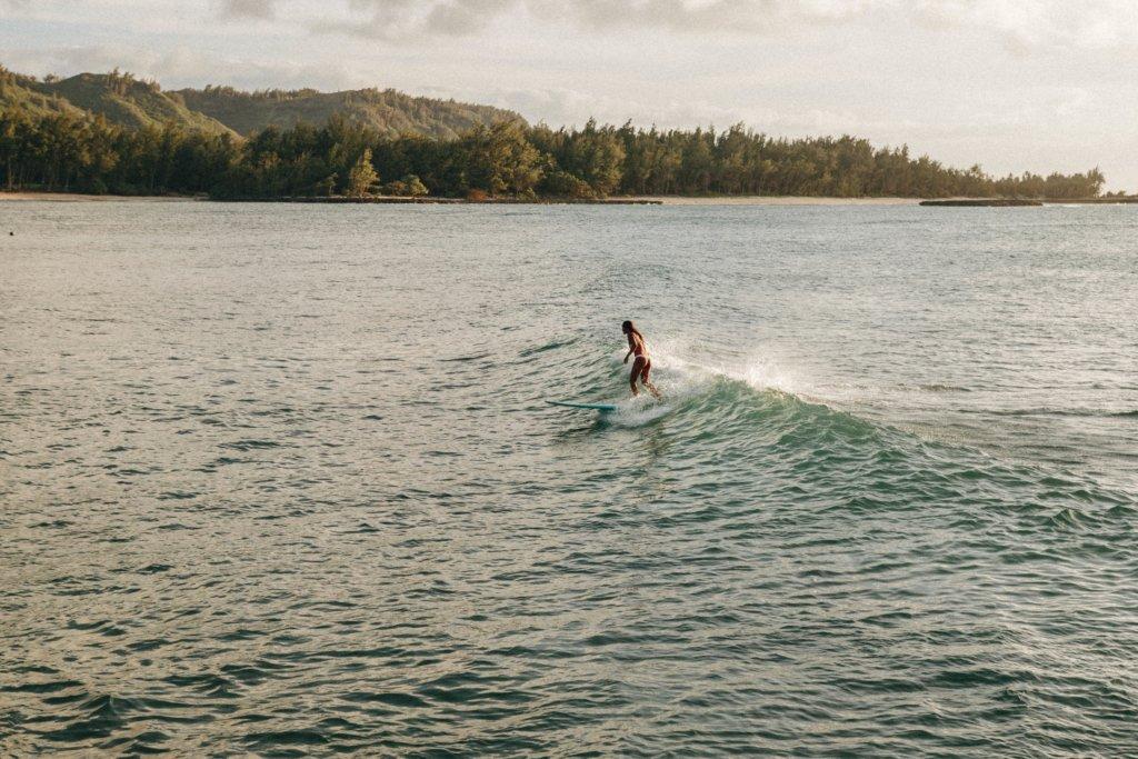 岩場でのサーフィン
