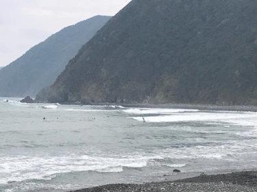 【2019.7.20】台風5号の南西うねりで湘南と千葉南は朝一からサイズアップしたいい波!