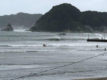 台風10号は日本海を北進中、台風に吹き込む南風で海は大荒れ【2019.8.16】