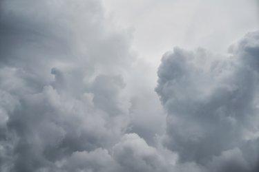 いい波に乗るために〜台風のことを知っておく-その2- (発生と発達、進路とコース)