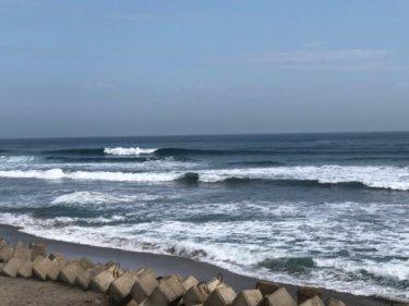 台風11号の南西うねりがまだ反応中、午前中までにサーフィン楽しんでおきたい【2019.8.27】