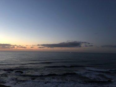 強い東うねりは落ち着き傾向、朝は西風→昼から南西の風が強まりそう【2020.1.30】