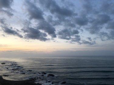 東うねりが続き南西の風で気温は上昇、明日は一転北東の風が冷たい一日に【2020.3.13】