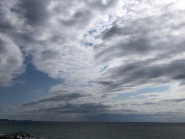 週末の晴れ間は土曜の午前まで、午後から雲が厚みを増し天気は下り坂【2020.4.11】