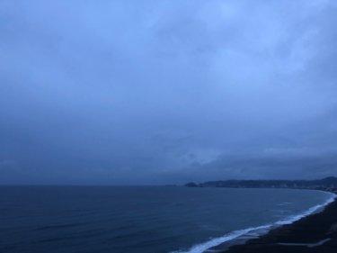 どんより曇りや雨で明日の朝は大荒れになりそう、千葉エリアの海の現状は…【2020.4.12】
