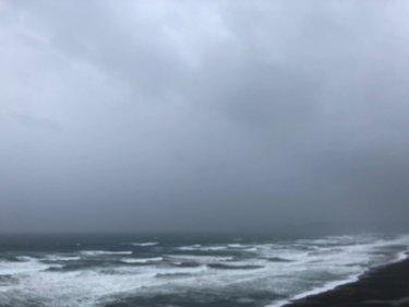 低気圧による大雨と暴風に警戒、太平洋側は午後まで大荒れな空模様【2020.4.18】