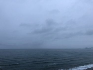 北東〜東うねり+大潮まわり、海岸の駐車場閉鎖はいつまで続くのか…【2020.5.23】