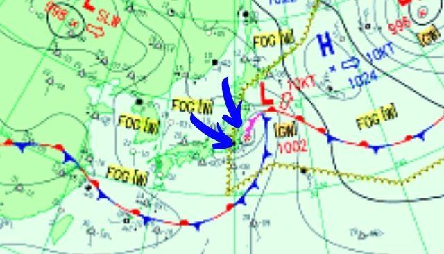 低気圧の北側で東うねりが整う