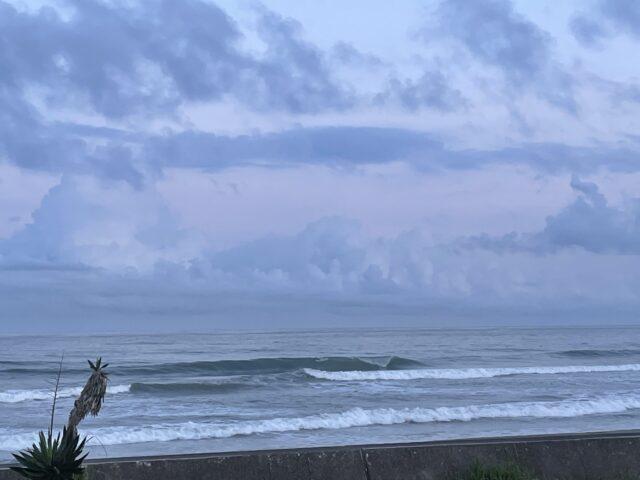 夕方の南房総の波