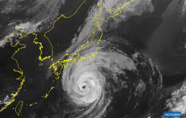 台風16号_210930_衛星画像