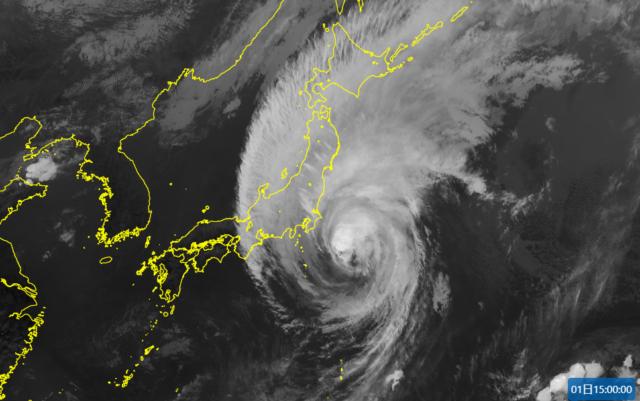 台風16号_211001-2-衛星画像