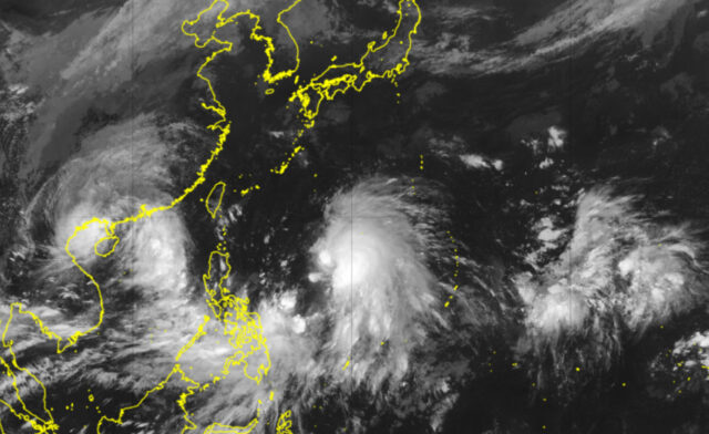 台風17-18号_衛星画像_211009